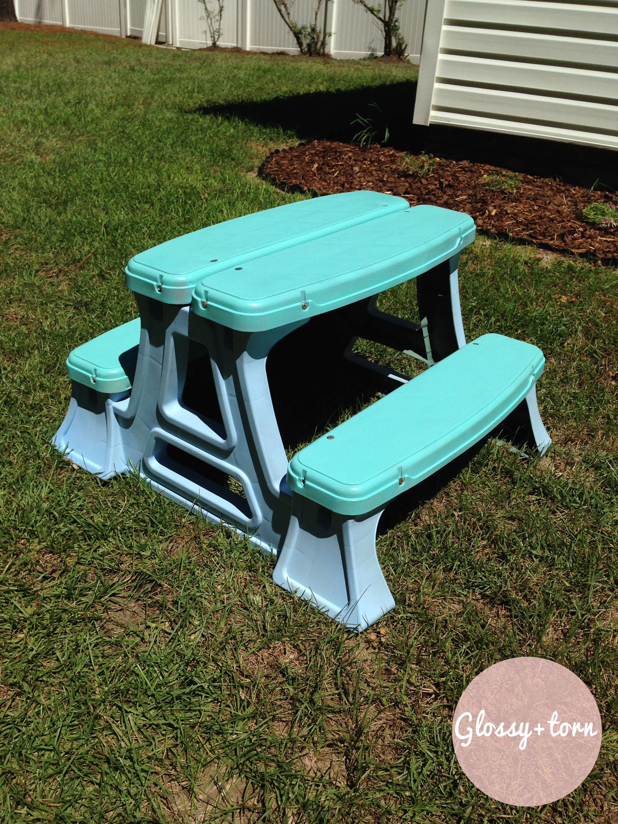 diy plastic picnic table makeover glossy torn